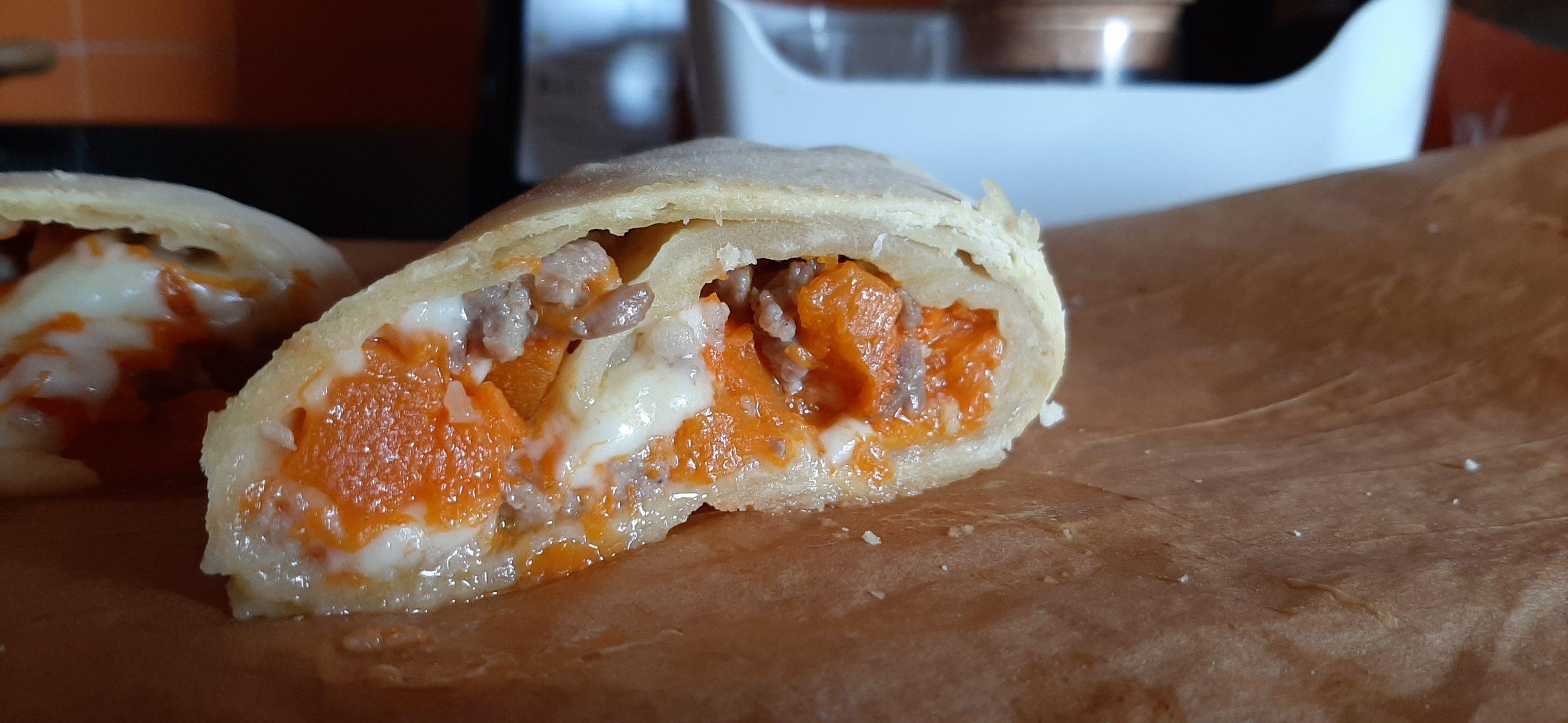 Ricette e piatti tipici ciociari Rotolo di pasta matta farcito con zucca, salsiccia e scamorza