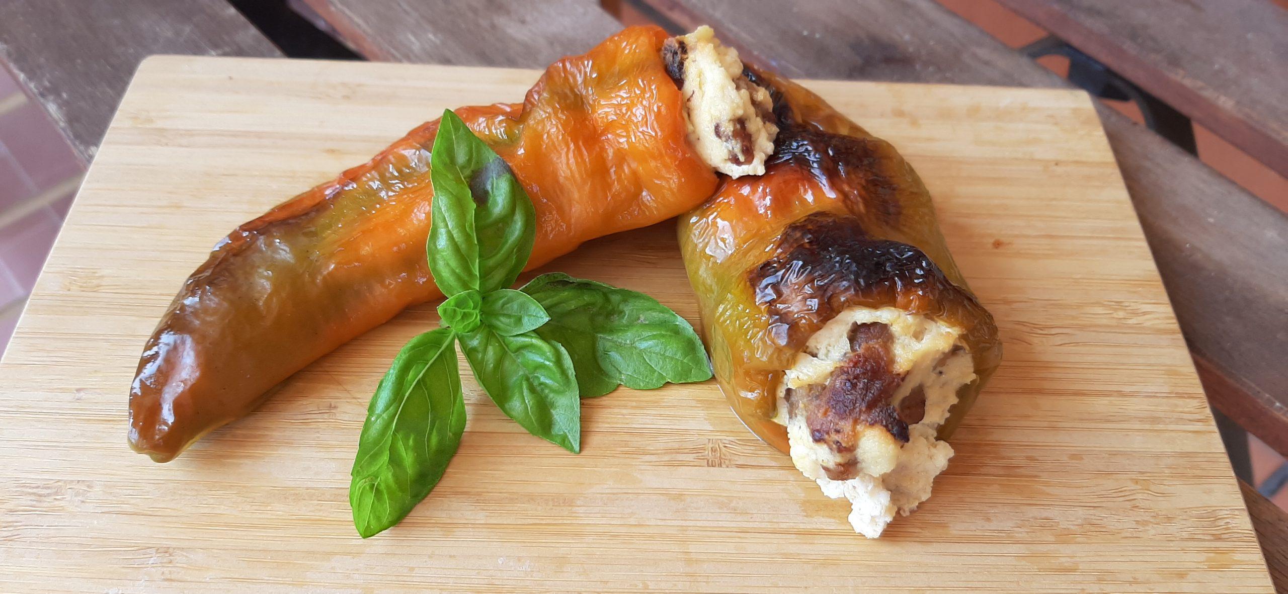 peperone cornetto di pontecorvo farcito di ricotta e salsiccia ricetta tipica ciociara