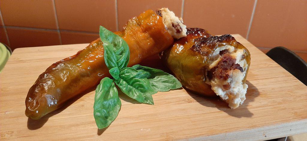 ricette tipiche ciociare pipola peperone farcito di ricotta e salsiccia